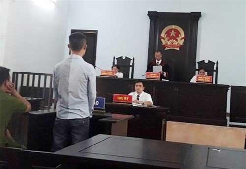 Thừa Thiên - Huế: Kẻ ngáo đá khống chế nữ nhân viên nhà máy nước lãnh án hơn 2 năm tù