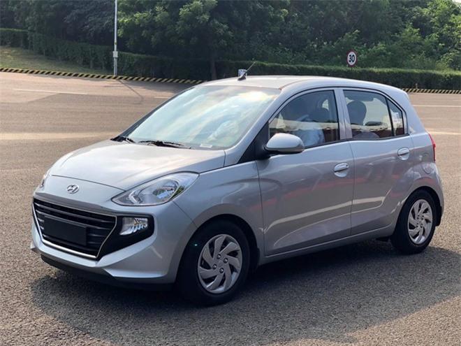 Mẫu xe cỡ nhỏ mới nhà Hyundai xuất hiện chỉ ít giờ trước thời điểm VinFast Fadil ra mắt thị trường - Ảnh: Ngọc Đức.