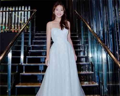 Năm 2018, Khả Ngân là mỹ nhân cưới chồng nhiều nhất showbiz Việt