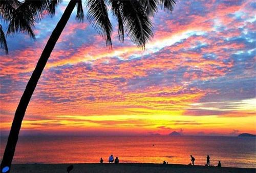 Khám phá vẻ đẹp hoang sơ, bình dị của đảo Hòn Sơn