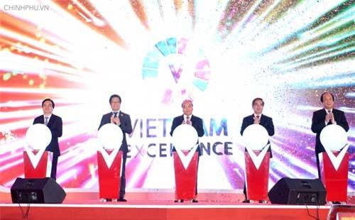 Thủ tướng chia sẻ khát vọng 'hàng Việt chinh phục người Việt'