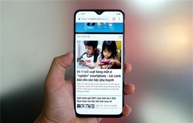 Đập hộp Oppo R17 giá gần 17 triệu đồng tại Việt Nam - 248651