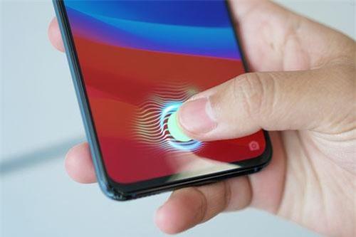 Oppo công bố giá bán smartphone 3 camera ở Việt Nam - 248647