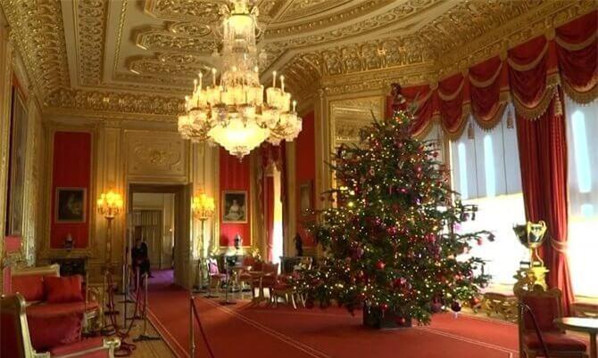 Không khí giáng sinh tràn ngập trong lâu đài của hoàng gia Anh.