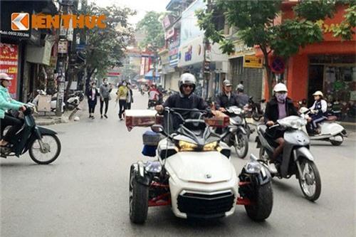 Môtô 3 bánh tiền tỷ Can-am làm xe ba gác tại Nam Định. Mẫu siêu môtô ba bánh Can-am Spyder F3 S