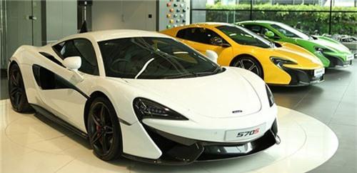 Ghé thăm showroom kinh doanh siêu xe với cả dàn Lamborghini. Niche Cars Group chính là nhà phân phối chính thức của hàng loạt thương hiệu siêu xe nổi tiếng thế giới có trụ sở tại Bangkok Thái Lan. (CHI TIẾT)