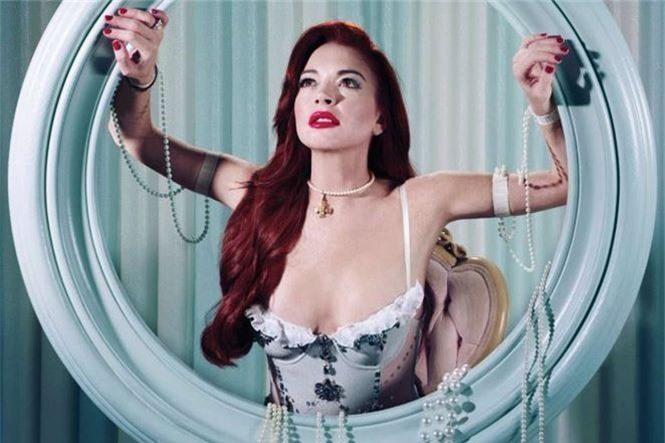 'Cô nàng lắm chiêu' Lindsay Lohan tái xuất gợi tình - ảnh 1