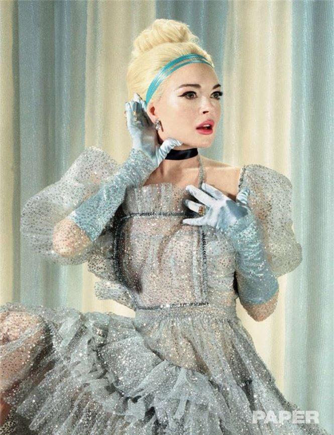 'Cô nàng lắm chiêu' Lindsay Lohan tái xuất gợi tình - ảnh 5