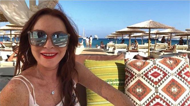 'Cô nàng lắm chiêu' Lindsay Lohan tái xuất gợi tình - ảnh 6