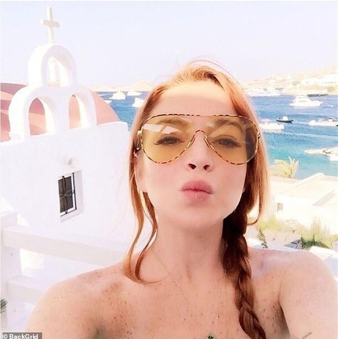 'Cô nàng lắm chiêu' Lindsay Lohan tái xuất gợi tình - ảnh 7