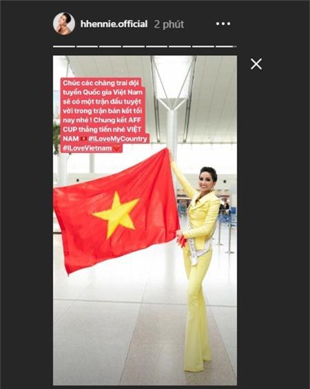 """h'hen nie nhan """"mua loi khen"""" sau man catwalk tai miss universe 2018 hinh anh 5"""