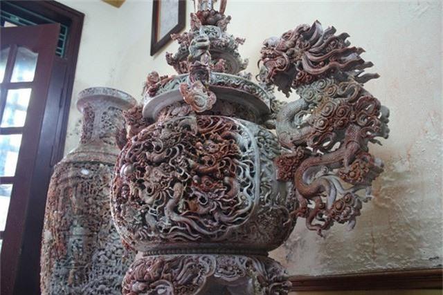 Theo ông Minh, bộ tác phẩm từng thu hút khá nhiều đoàn khách nước ngoài tới tham quan, nhiều người trả giá ông 15 tỷ nhưng ông không đồng ý bán