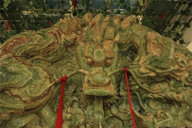 """Được biết, vào năm 2013, tác phẩm đã được xác lập kỷ lục là """"viên ngọc nguyên khối lớn nhất Châu Á"""