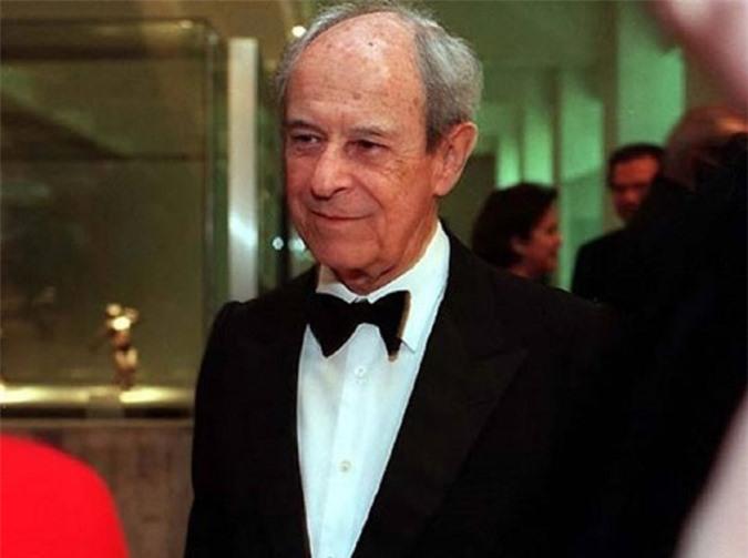 Tỷ phú Aloysio de Andrade Faria 98 tuổi, hiện ông đang sở hữu 2,1 tỷ USD. Ảnh: Globopay.