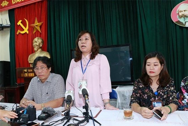 Bà Lê Anh Vân- Hiệu trưởng Trường Tiểu học Quang Trung không trả lời thẳng câu hỏi: Cô giáo Hà Trang có phải con một lãnh đạo quận Đống Đa