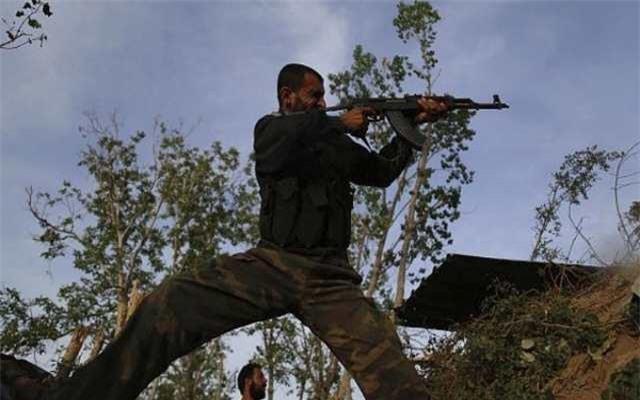 Dân thường Syria bất ngờ vùng lên chống lại phiến quân ở Deir Ezzur