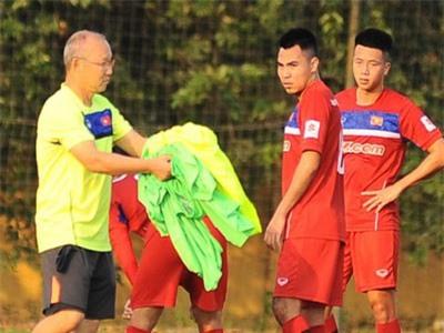 HLV Park Hang-seo dặn dò học trò những gì trước trận chiến với Malaysia?