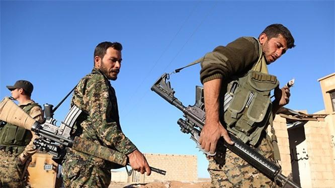 Chọc thủng tuyến phòng thủ cuối cùng của IS, SDF chiếm trọn Hajin