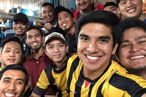 Bộ trưởng trẻ Malaysia phát ngôn sốc về trận chung kết nhưng cách cư dân mạng Việt phản ứng mới bất ngờ
