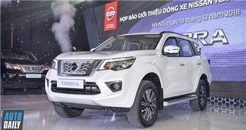 XE HOT QUA ẢNH (18/12): VinFast Klara có đối thủ mới, giá lăn bánh Nissan Terra ở VN
