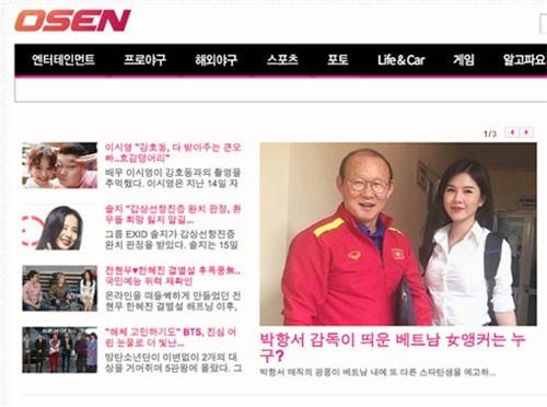 """MC xinh đẹp bên cạnh HLV Park Hang Seo """"gây sốt"""" tại Hàn"""