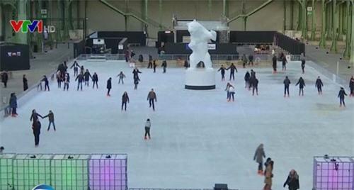 Cung điện Lớn ở Pháp biến thành sân trượt băng trong nhà lớn nhất thế giới