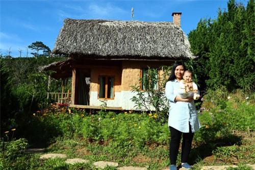 Vợ chồng bỏ Sài Gòn lên ở 'ngôi nhà nhỏ trên thảo nguyên'