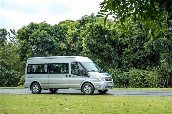 Ford Transit giảm 30 triệu đồng và gia hạn bảo hành tại Việt Nam. Ford Việt Nam vừa công bố giá mới của dòng xe thương mại 16 chỗ Ford Transit, giảm 30 triệu cho tất cả các phiên bản, áp dụng từ 01/01/2019. (CHI TIẾT)