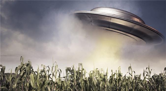 Bi an gay soc o vung dat UFO lien tuc xuat hien-Hinh-10