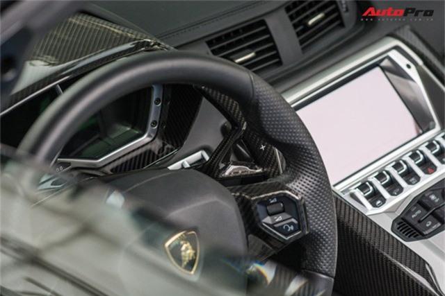 Lamborghini Aventador Roadster thứ 3 Việt Nam nâng cấp gói carbon khủng của Novitec - Ảnh 8.