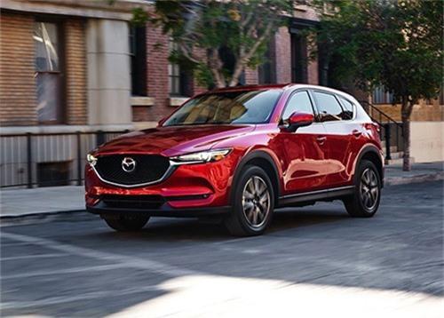 CX-5 chiếm hơn một nửa doanh số Mazda tại Mỹ. Mazda CX-5 là dòng xe chủ lực của hãng ôtô Nhật Bản trên đất Mỹ, đóng góp hơn 50% doanh số tổng, nhưng thấp hơn các đối thủ. (CHI TIẾT)