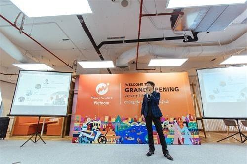 Ông Takayuki Tsuzuki chia sẻ về triển vọng chi nhánh Việt Nam.