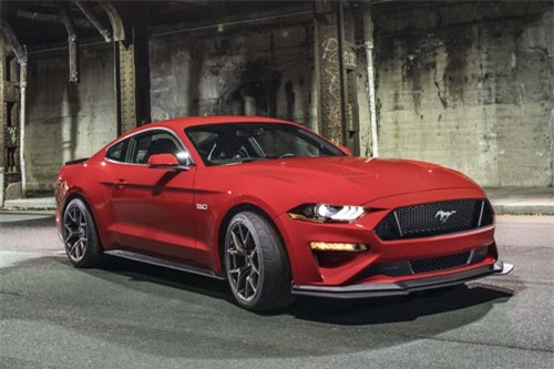 2. Ford Mustang GT Performance Pack 2.