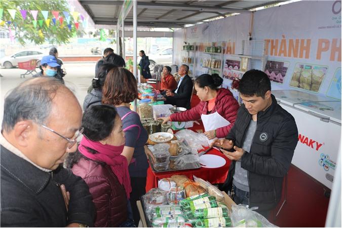tiêu dùng Thủ đô ủng hộ sản phẩm OCOP Quảng Ninh lần đầu tiên được giới thiệu tại Hà Nội