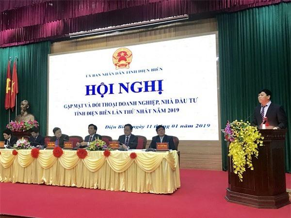 Ông Bùi Đức Giang, Chủ tịch Hiệp hội doanh nghiệp tỉnh Điện Biên phát biểu tại hội nghị.