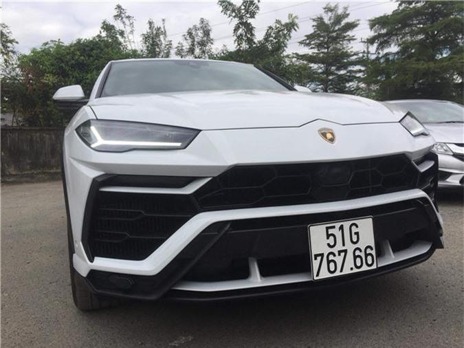 Bảng giá xe Land Rover tại Việt Nam tháng 1/2019. Thương hiệu Anh quốc - Land Rover và Jaguar có chung nhà phân phối tại Việt Nam, với toàn bộ các mẫu xe được nhập khẩu nguyên chiếc từ Anh. Hiện đang có hai showroom của Land Rover tại Hà Nội và Tp. Hồ Chí Minh. (CHI TIẾT)