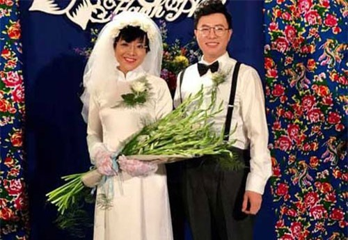 Thảo Vân và MC Lê Anh vui vẻ chụp ảnh cưới phong cách