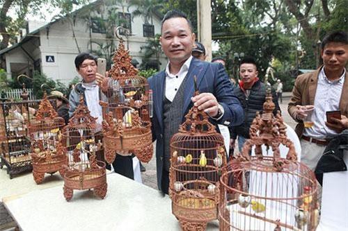 """Chim """"quý tộc"""" xuất hiện giữa Hà Nội, dân chơi sửng sốt"""