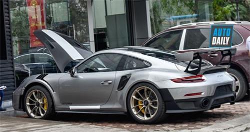 Siêu xe Porsche 911 GT2 RS giá hơn 20 tỷ xuất hiện tại Hà Nội