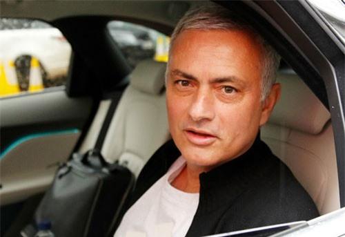 Mourinho nhận lương khủng để bình luận Asian Cup và trận Arsenal vs Chelsea