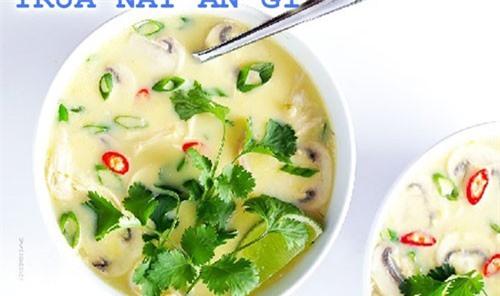 Súp gà cốt dừa kiểu Thái