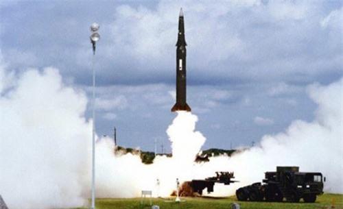 Mỹ ấn định thời điểm bắt đầu rút khỏi thỏa thuận hạt nhân với Nga