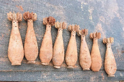 """Lâm Đồng: Ủi đất, """"đụng"""" trúng kho đạn cối"""