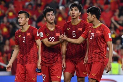 """CĐV Đông Nam Á: """"Việt Nam là niềm tự hào của chúng ta"""""""