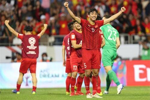 """Vào tứ kết Asian Cup 2019, Việt Nam gây """"sốc"""" trên BXH FIFA"""