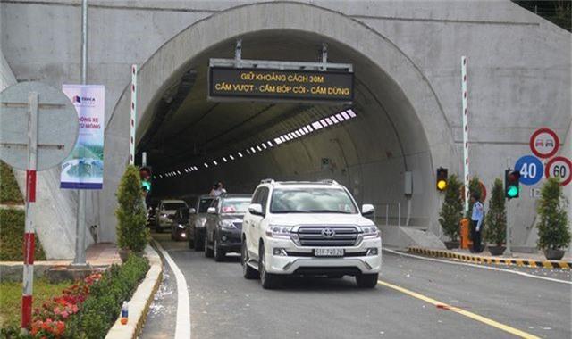 Chỉ mất 6 phút để qua hầm xuyên núi nối Bình Định - Phú Yên - 7