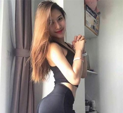 """""""Hot girl phòng gym Việt"""" có vòng 3 gần một mét không chỉ nhờ ngồi xổm"""