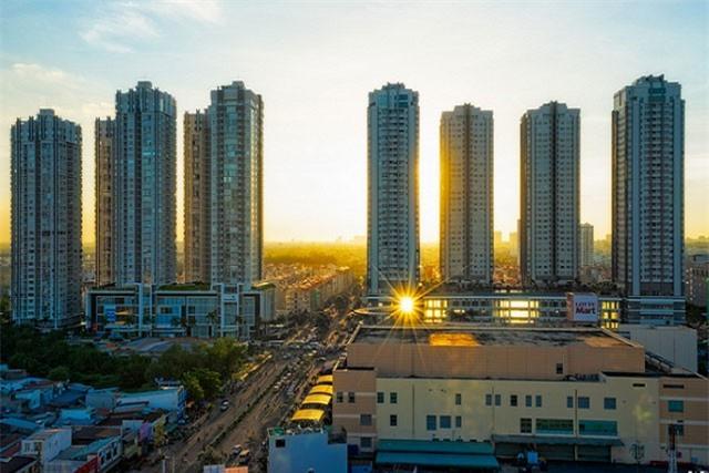 Điều chỉnh chính sách tín dụng với bất động sản được cho là quyết định cần thiết do lĩnh vực này thời gian đã tăng trưởng nóng.