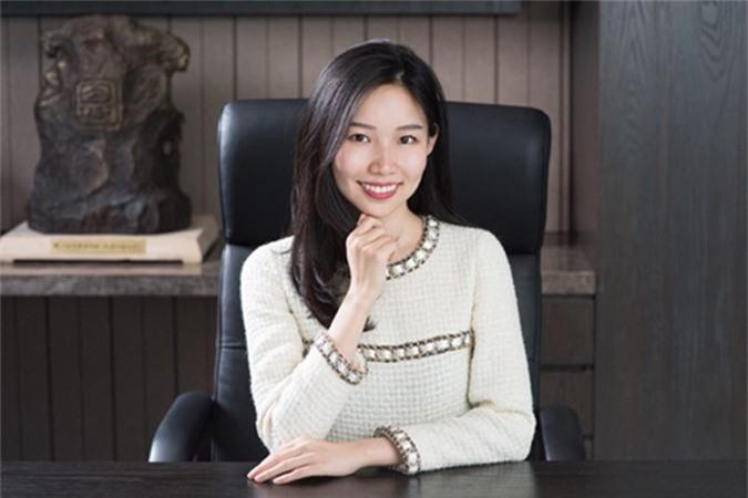 Theresa Tse, nữ chủ tịch tuổi 25 của tập đoàn Sino Biopharmaceuticals. Ảnh: Sino.