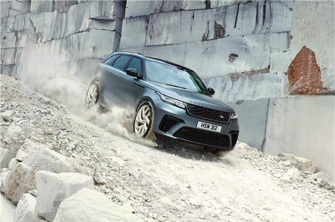 Range Rover Velar bản mạnh mẽ nhất trình làng. SVAutobiography Dynamic Edition là phiên nhanh và mạnh mẽ nhất của dòng Range Rover Velar từ trước đến nay. Xe có giá khởi điểm từ 86.120 Bảng (khoảng 112.000 USD) tại thị trường Anh. (CHI TIẾT)
